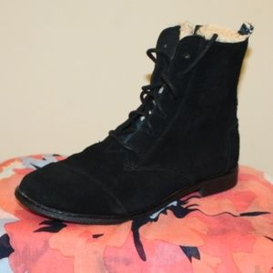 Toms Women Boots size 7.5 Leather Suede Black Lace